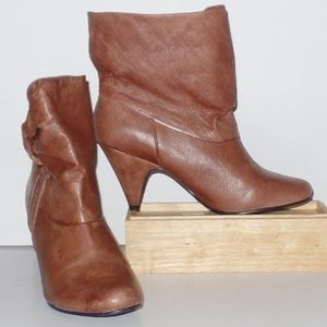 Steve Madden Tan Brown Leather Heel Ankle Bootie 8
